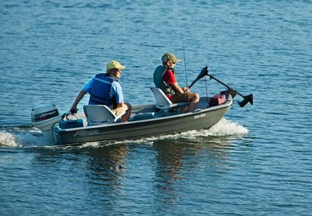 Sun dolphin pro 102 small fishing boat for Sun dolphin fishing boat