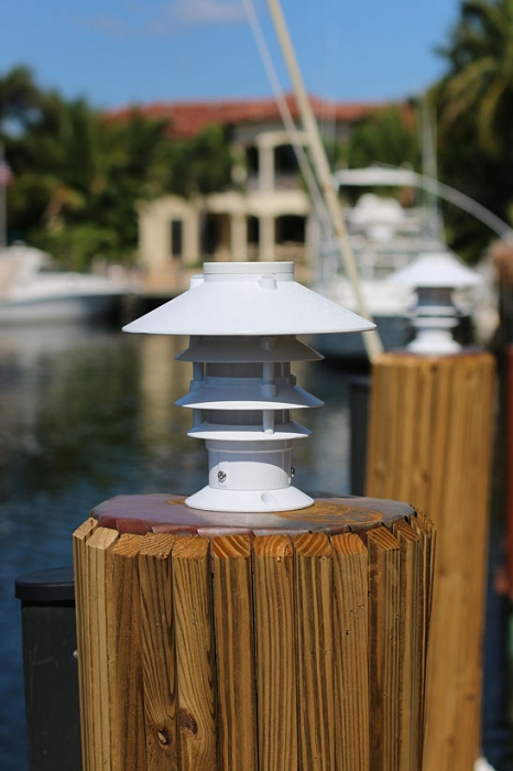 Lake Lite Solar Pagoda Piling Light